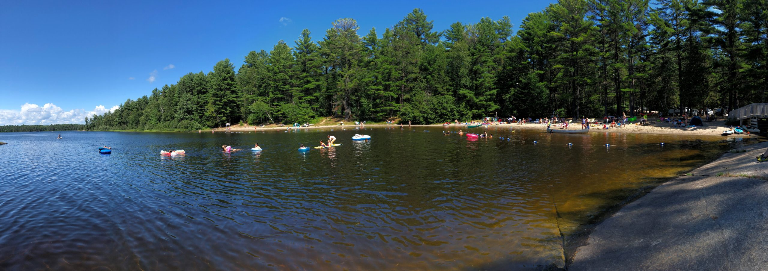 Panorma photo of the main beach at Grundy Lake Provincial Park